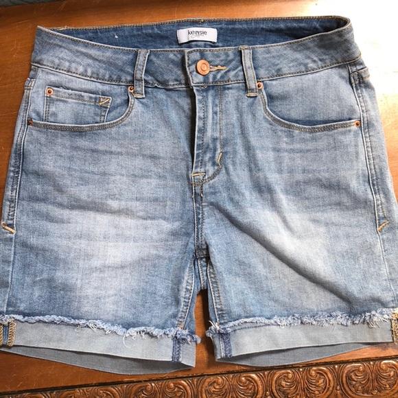 d24283c97e02c Kensie Pants - Kensie Jean Shorts in Women's Size 4 - GUC